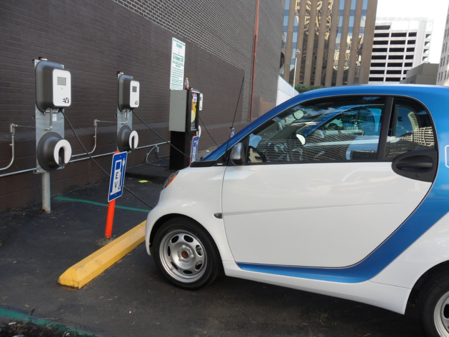 Carga de vehículos eléctricos - guía para ciudades